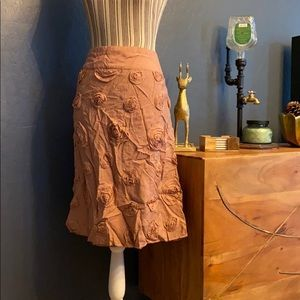 2/$15 Downeast skirt with fabric roses